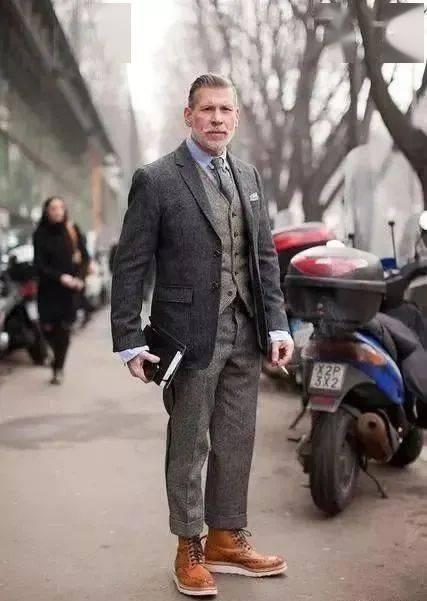 提升男人味必学的'粗糙绅士'穿搭指南 用西装搭出粗犷型男魅力