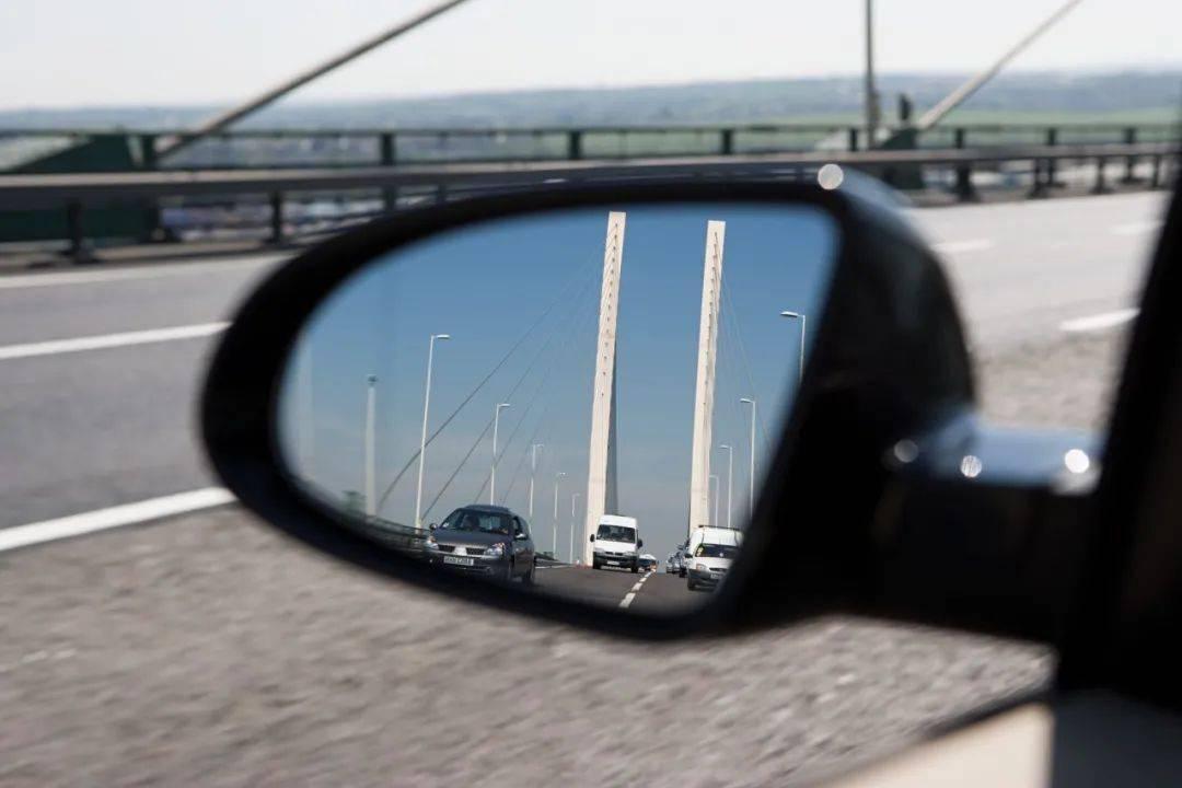 开车变道的技巧,强烈建议新手司机多看几遍!