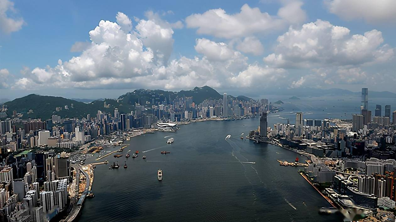 香港gdp多少_香港GDP持续走低,2020年被多个城市超过,但人均GDP依旧位居榜首