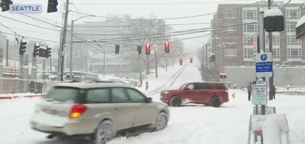 冬季风暴袭美,得州362万人遭遇断电