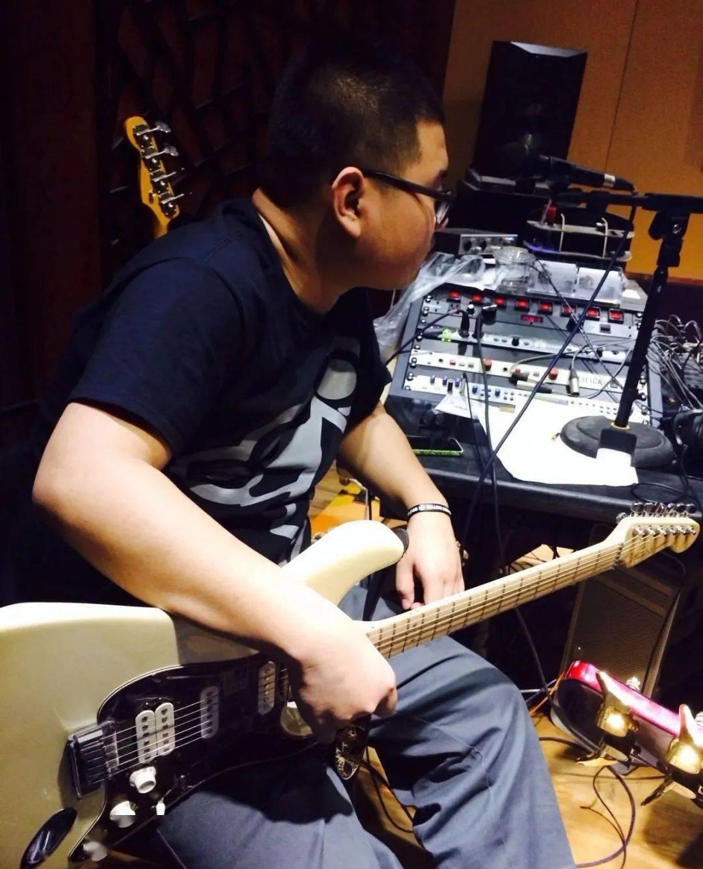 高德平台代理开户【同学你好】少小玩摇滚、成年搞爵士是一种什么体验?