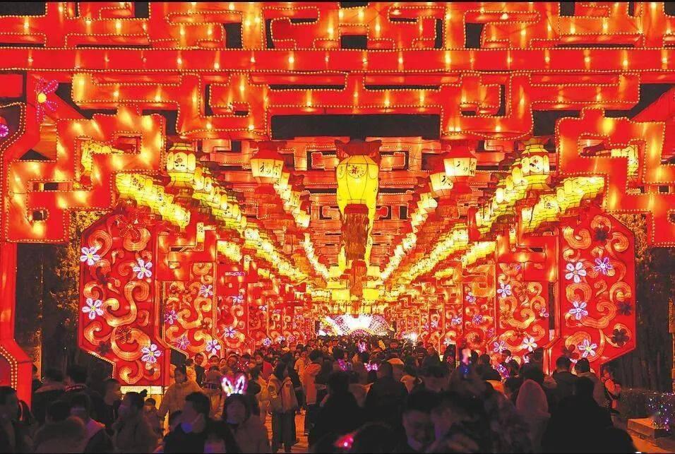 【共圆小康梦 欢乐过大年】自然与民俗交融 群众乐享新春文旅大餐  第1张