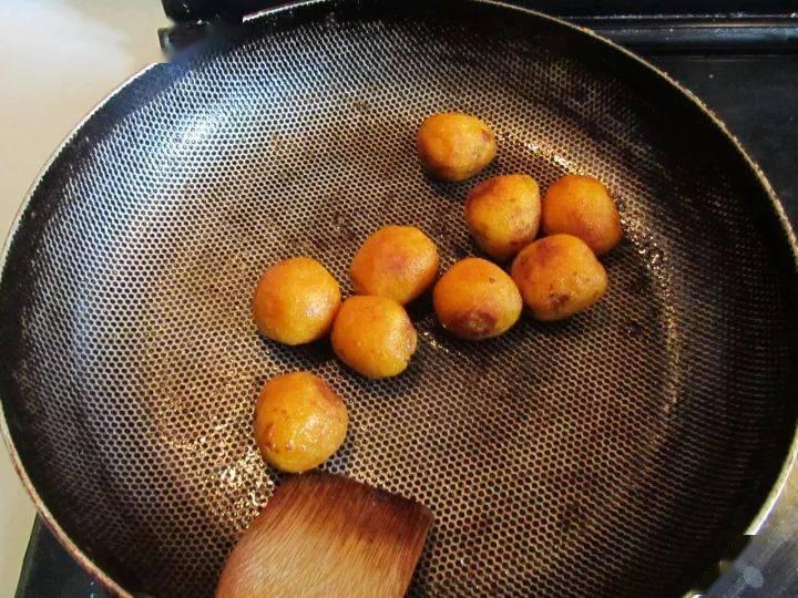 马上要迎元宵节了,自制汤圆的别样吃法,比煮的更好吃