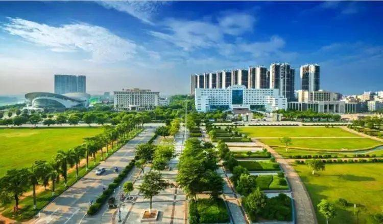 2020年兴义市经济总量_经济发展图片