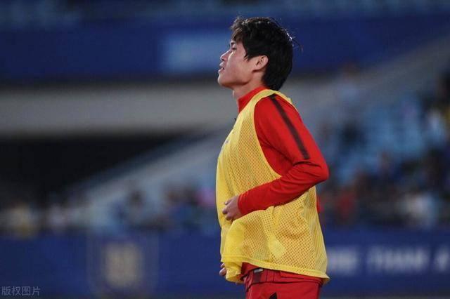 恭喜莱科!他在上港第一个力捧的新星热身赛爆发进球,表现很出色