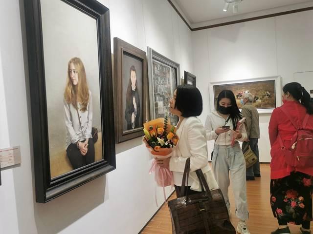 广州女画家邀请作品展亮相陈树人纪念馆