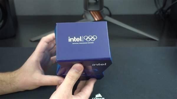 Intel 11代旗舰i9-11900K提前到手!波浪形包装盒吸睛的照片 - 9
