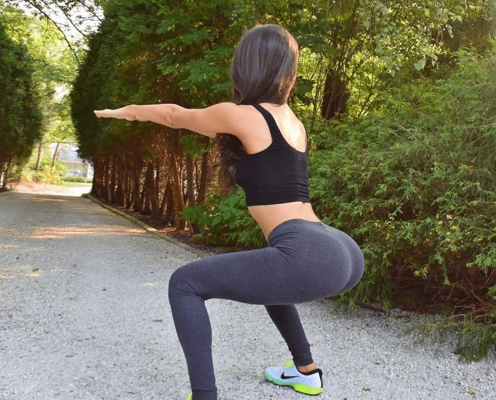 规律的臀部训练,既能塑形又能减脂,坚持下去就能练出翘臀_动作