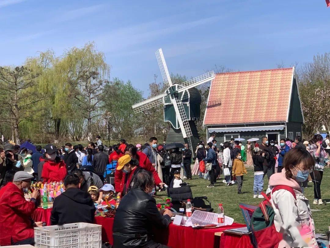 假期余额不足,快来世界花卉大观园打卡汉服盛会!