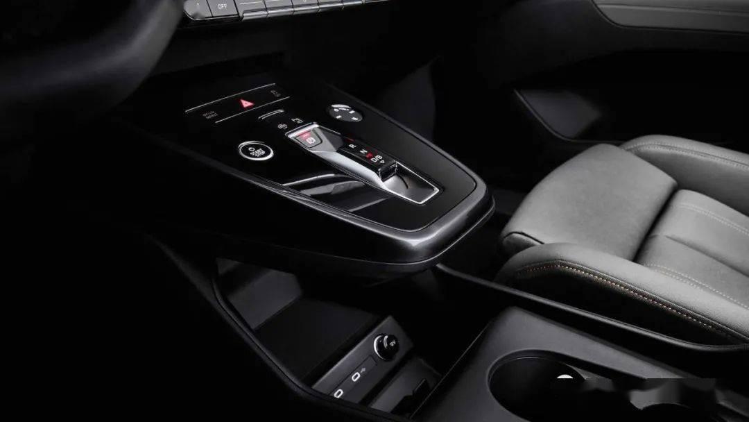 奥迪Q4 E-Tron即将发布,科技含量十足,外形来源概念车   酷乐汽车_e-tron