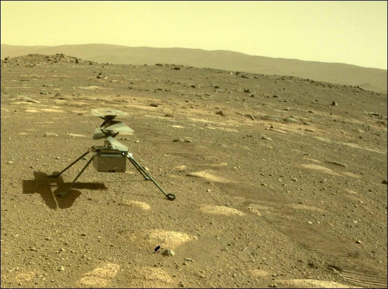 "NASA ""机智号""火星直升机拍下首张彩色照片,已顺利度过第一个寒夜"