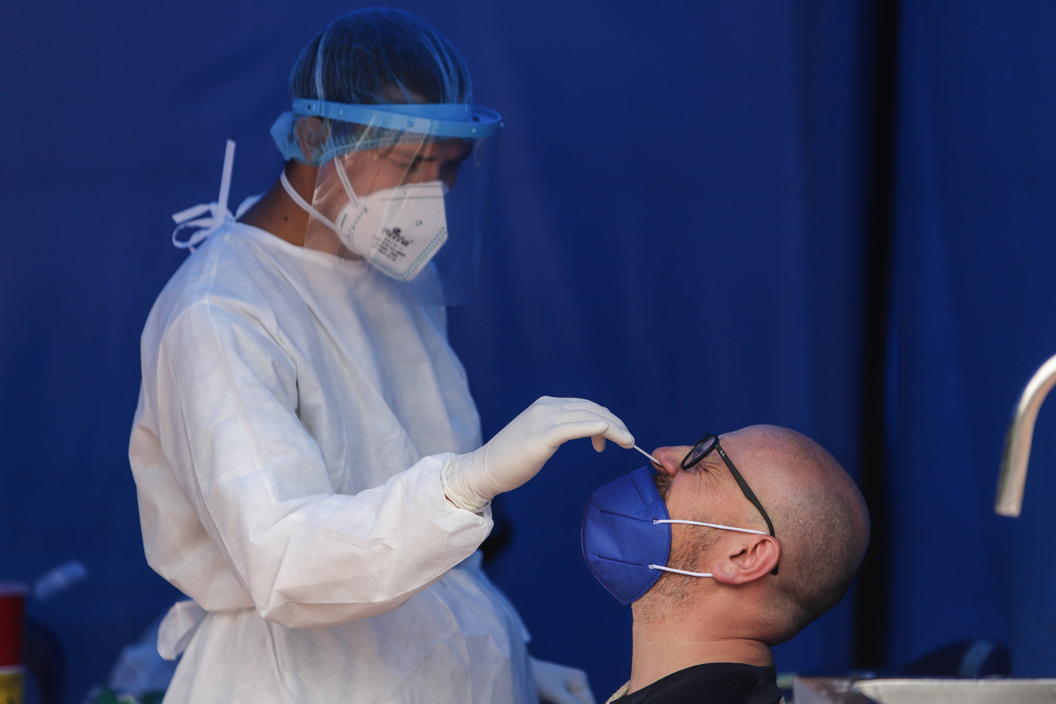 哥伦比亚首都防控措施升级应对第三波疫情