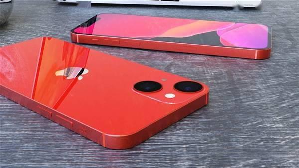 iPhone 13 mini高清渲染图:刘海更下、屏占比更高的照片 - 5