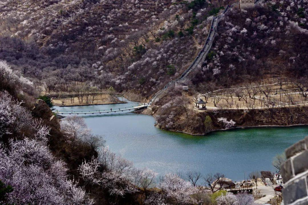 来自马蜂窝用户@dongsherry 古 北 水 镇 古北水镇位于密云东北侧