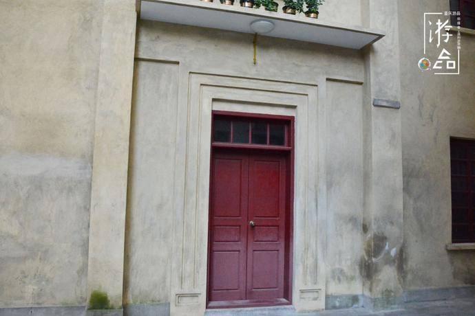 """重庆蒲草田的角落,这栋中国纯血的建筑,为何名叫""""中法学校""""?"""