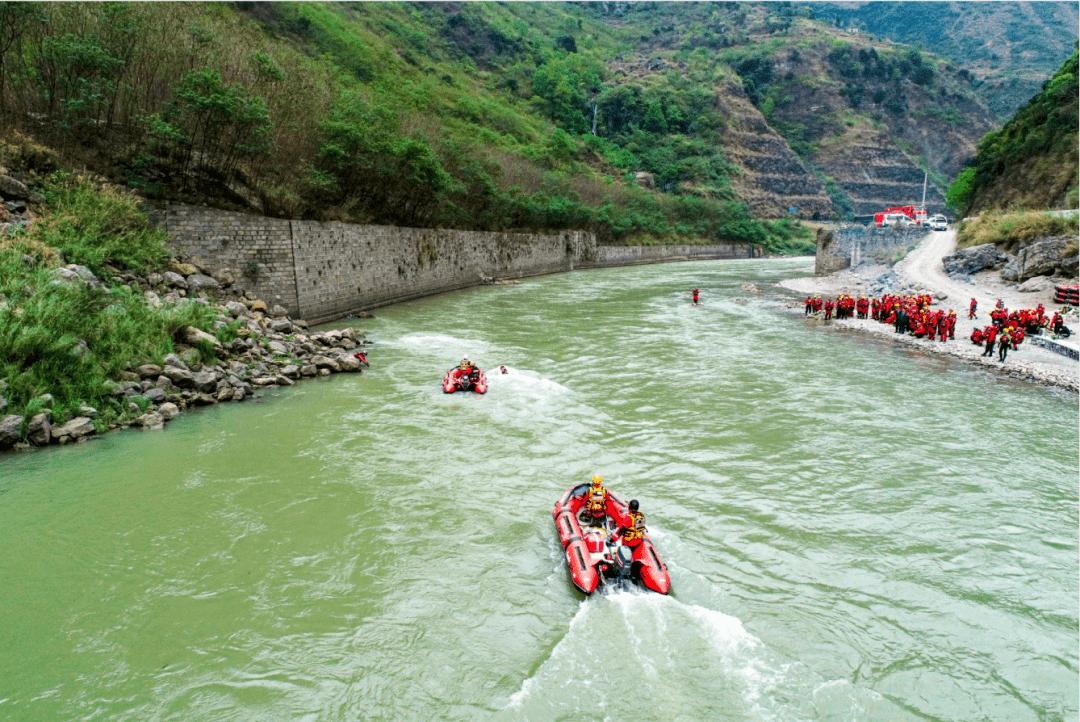 全国消防救援队伍水域救援技术教练员培训在云南昭通圆满完成