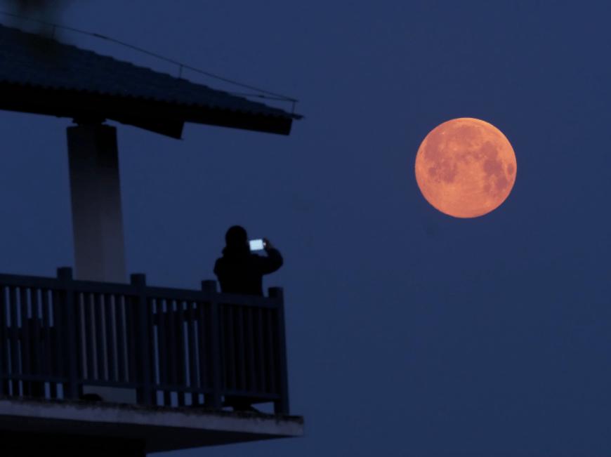 """热门丨它来了!它来了!今年的""""超级月亮""""来了!"""