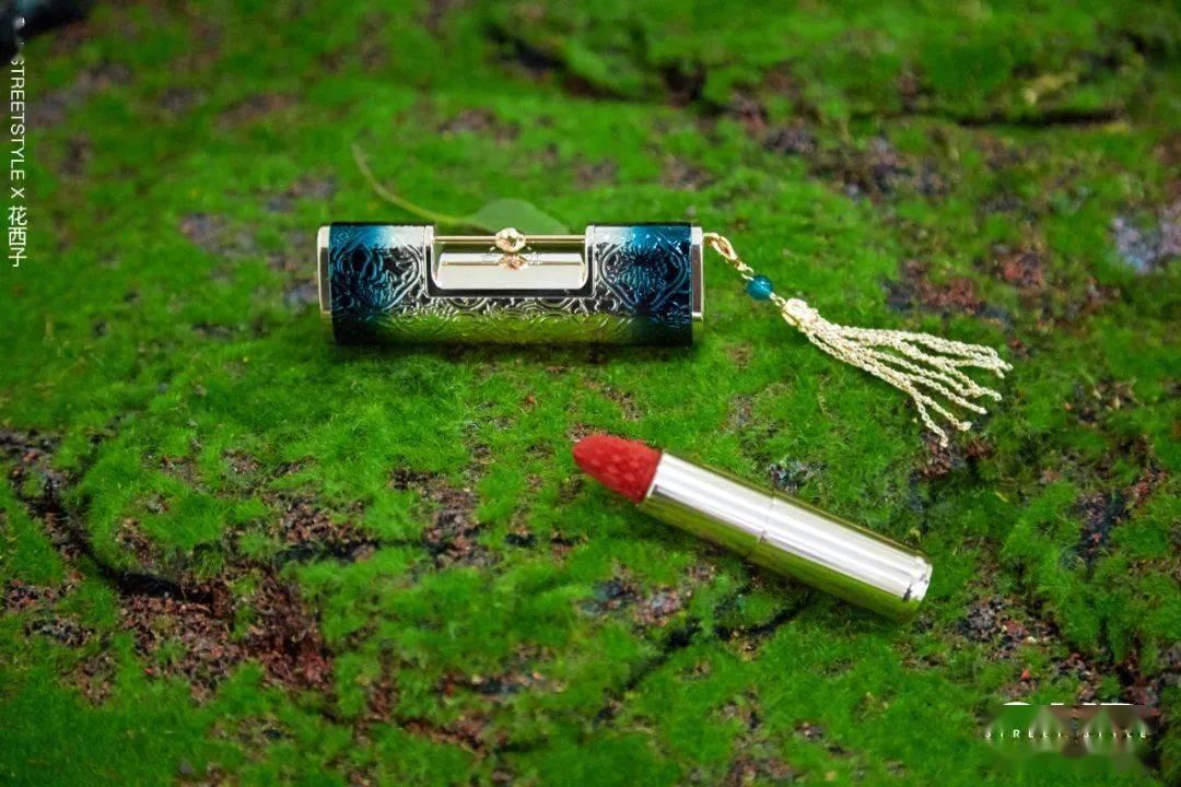 原创             小长假来临,快用这些宝藏「国货彩妆」打造独具一格的妆容吧~