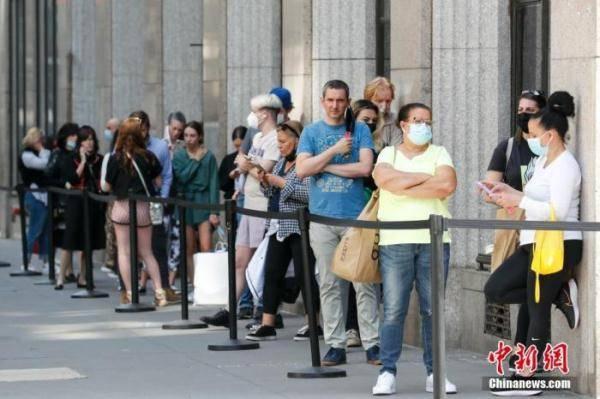 美国新新冠肺炎病例减缓?政治立场影响疫苗接种率