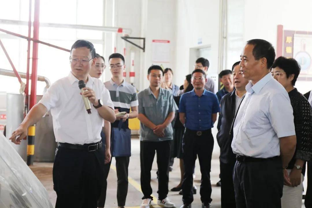 人口资源环境委员会_全国zx人口资源环境委员会副主任王培安率队到习酒公司