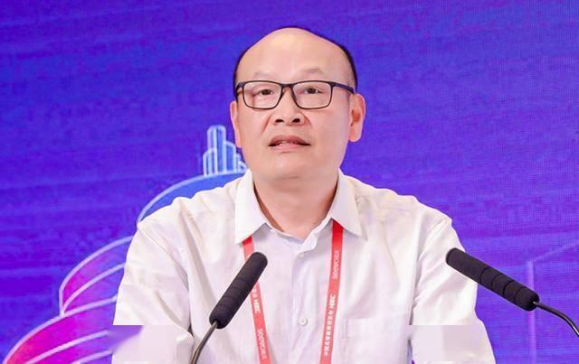 李鸿伟:积极推动产学研、校企科技成果合作