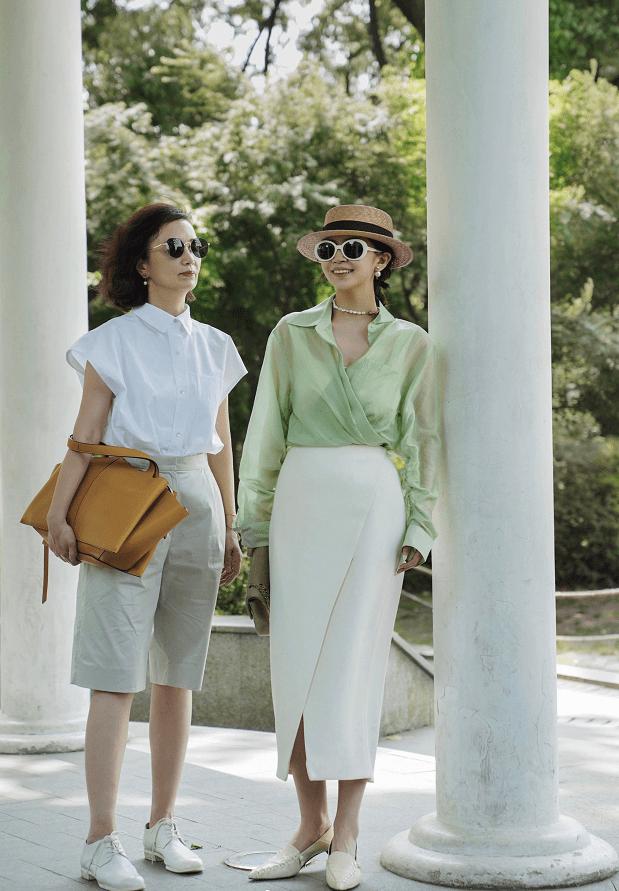 三木母女的夏季穿搭,高级知性有气质,值得30~50岁女性学习