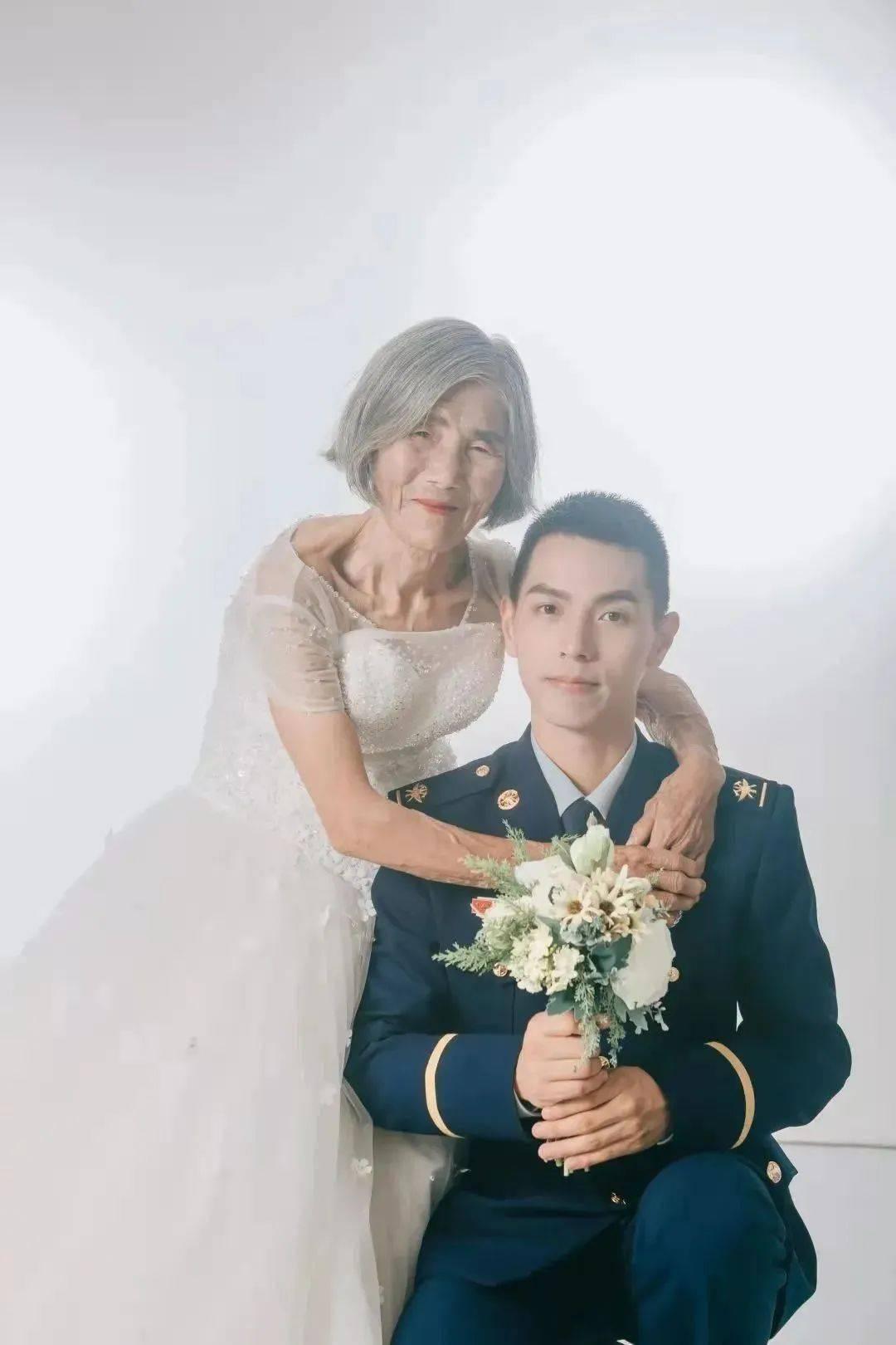 24岁小伙子和85岁奶奶婚纱照刷屏,背后的故事曝光后,网友:太感人了!