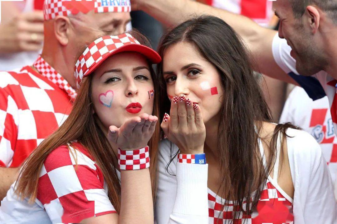 万名观众入场,多位球员确诊,病毒要在欧洲杯