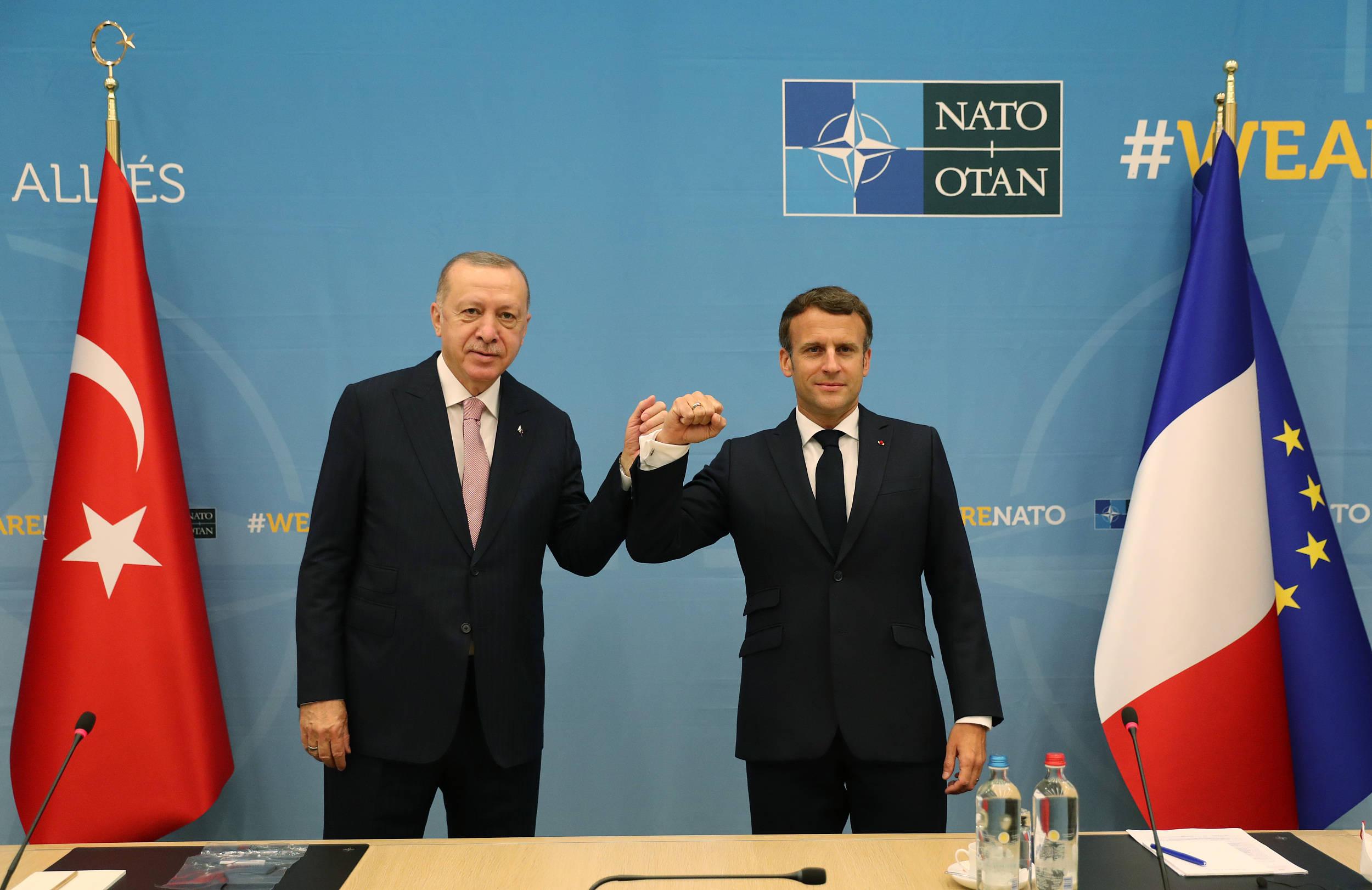"""马克龙向埃尔多安""""澄清"""":法国政策并不针对任何宗教"""