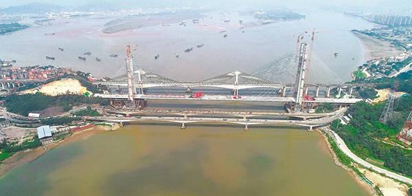 新建福厦铁路乌龙江大桥合龙