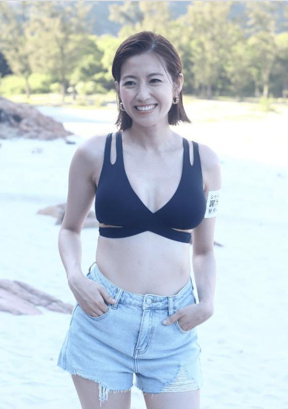 陈自瑶再拍摄丰胸广告,身穿比基尼大露C