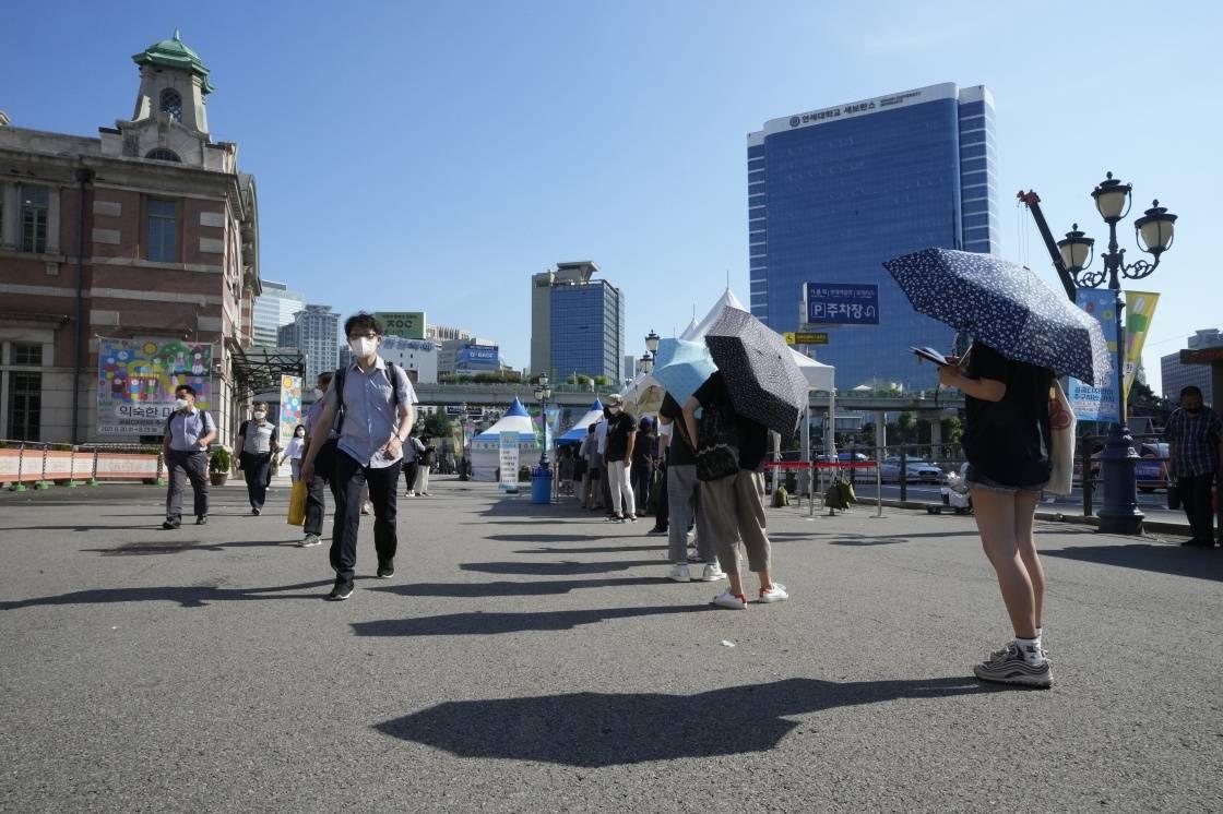 韩媒:韩国非首都圈地区从27日启动第三级防疫响应措施