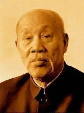 老一辈领导人中,董必武书法最具文人气!第一套人民币上有他的字