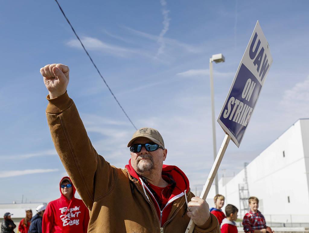 近10万美国工人计划发动罢工:不反对加班,仅要求同工同酬